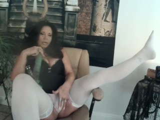 MILF JOI & CEI to fat pussy and big tittys