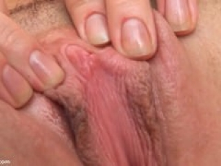 Lea Makes Herself Cum with a Vibrator on her clit