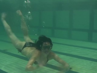 Andreeva teen Russian swimming in the pool