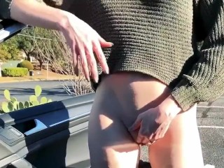 Teen Lola fingers in public