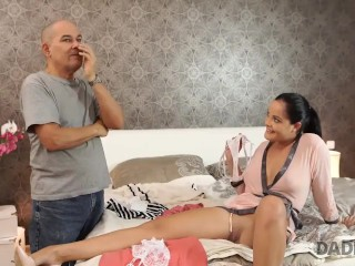 DADDY4K. Mature guy doesnt waste chance to satisfy sons girlfriend