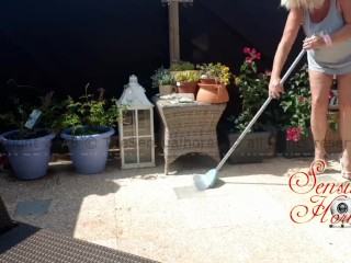 Cleaning my Terrace in High Heels, ended up all naked ;-) Curvy Mature!