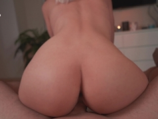 Reverse cowgirl fuck on big dick - TheMagicMuffin