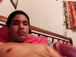 Sexyy tanned teen wanking
