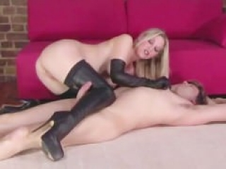 Leather gloves n shoes domina fucking