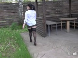Russian girl with hairy by a pussy, pissing on a tree raised his leg!