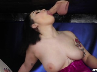 Hot Teen Lenna Lux Is Milking A Cock