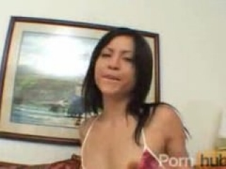 Hotty Jayna gives a great blowjob to earn her facial