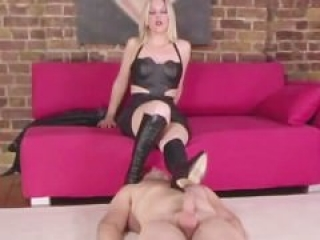 Slave worshipping domina leather boots