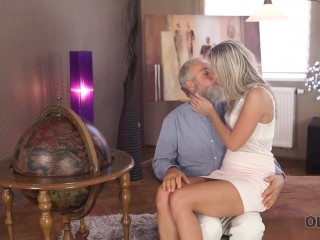 Old4k. Cute College Girl Comes To Old Teachers House For Hot Sex