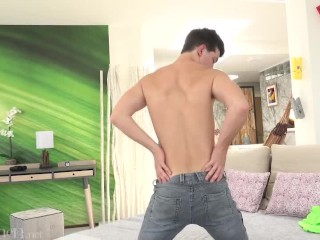 Twink stripping cock flash