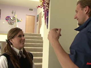 Sabrina Starr Fucked By Mailman