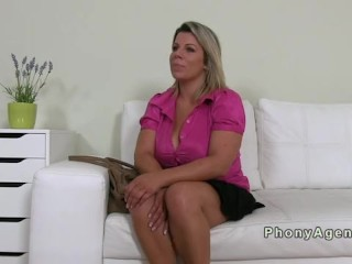 Huge boobs amateur fucking in casting