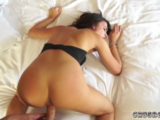 Mother catches compeer's daughter blonde