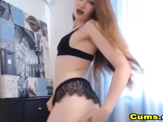 Amateur Hottie Enjoys Playing her Tight Pussy