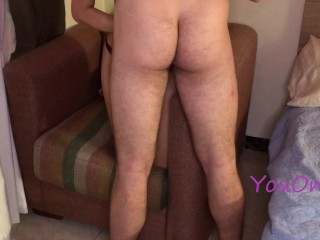 Petite girlfriend knows how to ride dick