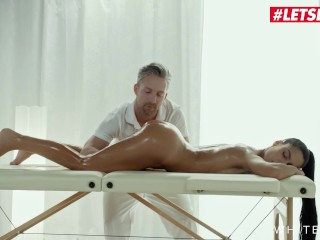 White Boxxx - Apolonia Lapiedra Hot Latina Babe Gets Her Pussy Fucked Hard By Her Horny Masseur