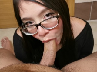 A great blowjob to my roommate, cum in mouth