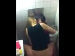 easy fuck in a college bathroom