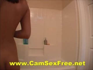 Teen Chick Shaving Her Soapy Pussy In The Shower