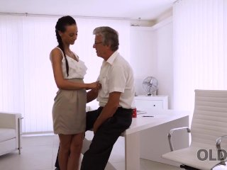 OLD4K. Babe has a crush on her mature boss and wants sex with him