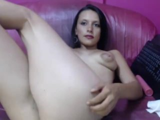 Webcam huge tits babe huge dildo hard fucking her pussy