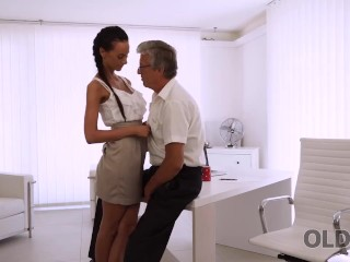 OLD4K. Tender miss just like old dicks so why has sex with her boss