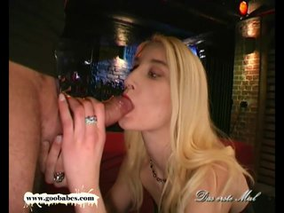 Sexy blondie gets her pretty face cum covered