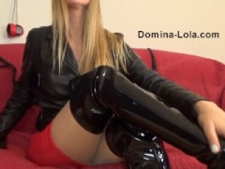 Chat with Dominatrix - Domina Lola - Mistress online